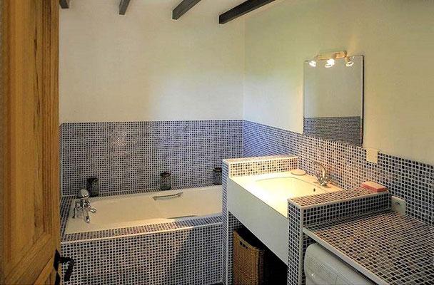 Les >Lilas - das Bad mit Badewanne auf der Wohnebene