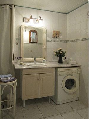 Les Olivettes - Bad mit Fenster / Duschkabine / WC erreichbar vom Schlafzimmer aus