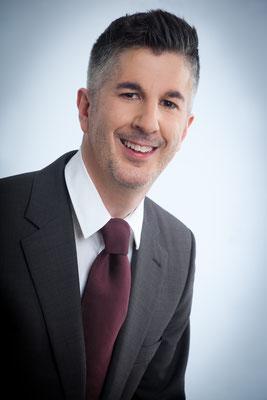 Dr. Marcus Täuber