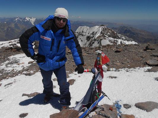 Am höchsten Punkt Südamerikas, dem Aconcagua auf 6950 Meter