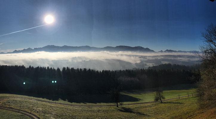 Blick vom Aussichtsturm in die Berge