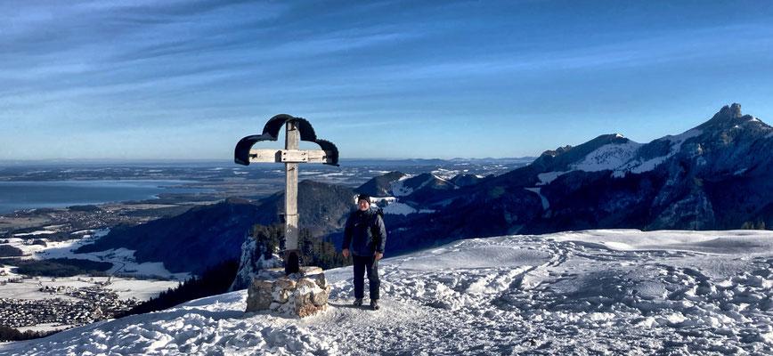 Am Laubenstein Gipfelkreuz im Winter