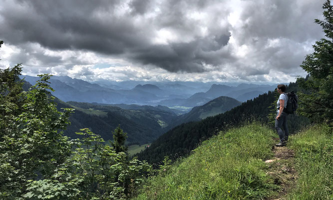 Ausblick beim Abstieg vom Karkopf