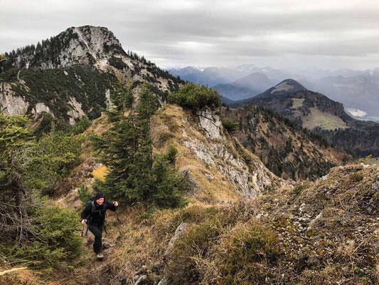Aufstieg zum Brandelberg mit dem Spitzstein im Rücken
