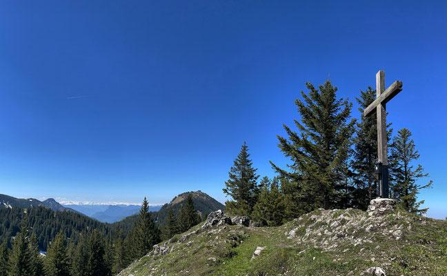 Riesenberg Gipfel mit Blick zur Hochries