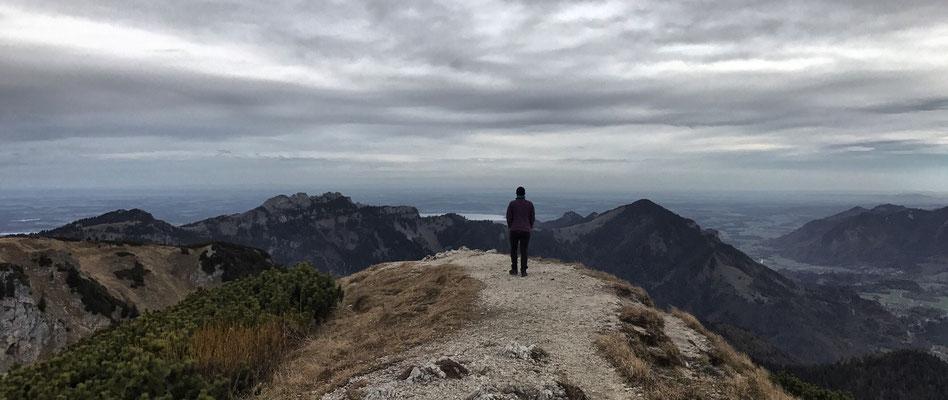 Blick vom Geigelstein Richtung Kampenwand und Chiemsee