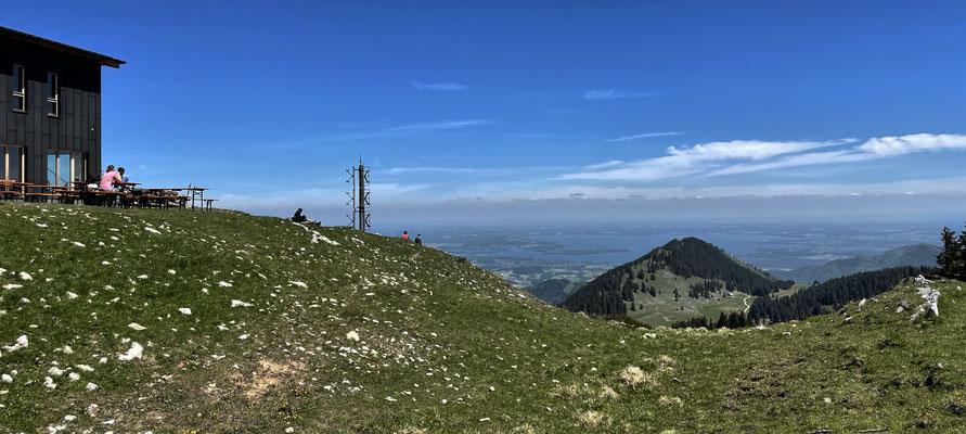 Blick zurück von der Hochrieshütte zum Riesenberg