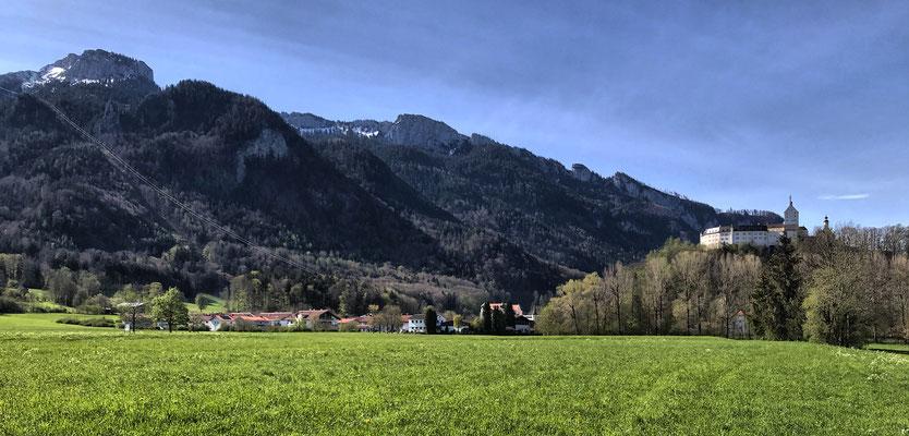 Blick auf Schloss Hohenaschau