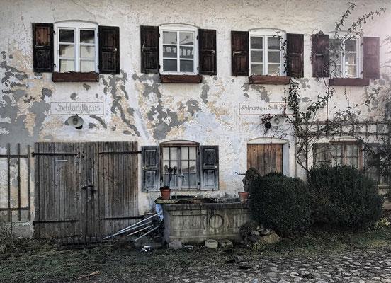 Verfallendes Gasthaus in Hemhof