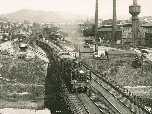 Werdohl 1930: 38 3076 Bw Siegen mit Eilzug nach Hagen (Aufnahme: Carl Bellingrodt, Wuppertal)