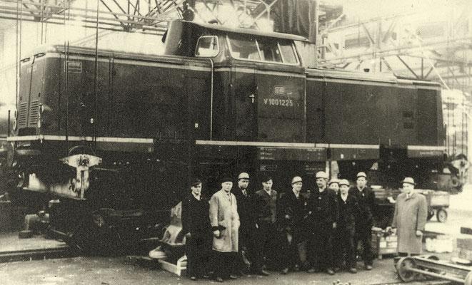 Die Siegener V10 1225 war die erste Diesellok im AW Bremen 1962