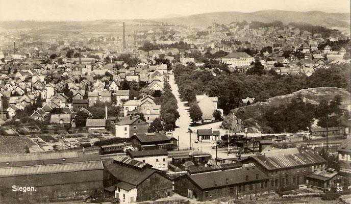 Bahnhof Eintracht in den 20er Jahren, in der Bildmitte die Koblenzer Strasse, rechts davon Gläsers Garten, genannt Eintracht