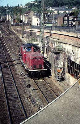 212 149-9 Bw Siegen bei der Ausfahrt aus dem heimatlichen Betriebswerk am 23.05.1980 (Aufnahme: Dr. Richard Vogel)