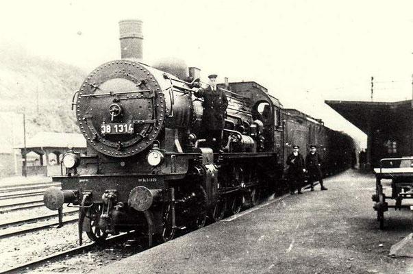 Dillenburg 1920: P8 38 1314 mit Personezug Richtung Siegen