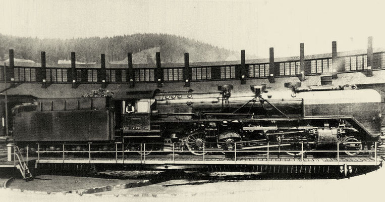 Die gleiche Lok vor dem Schuppen, 1951
