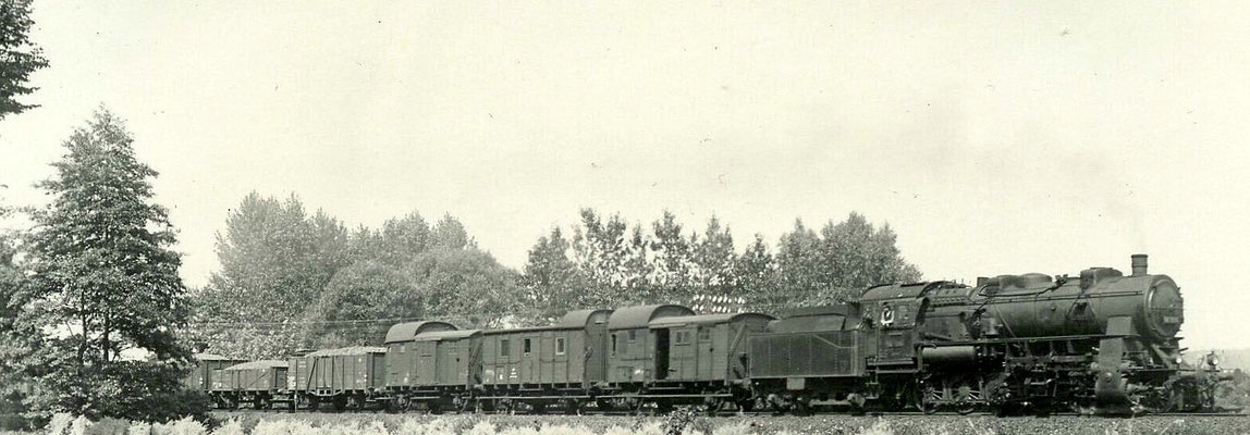 Hohenlimburg 1938: Güterzug mit Siegener G12 und gleich drei Güterzugbegleitwagen
