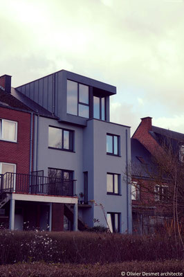 Lucanre zinc et bois - box on the roof - Chantier  Architecture Namur