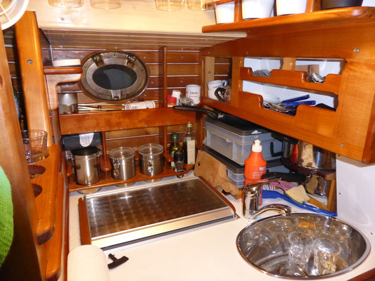 Die kompakte Küche / Cucinetta compatta