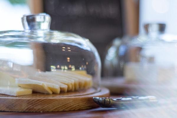 Rich Breakfast Buffet - Detail (Cheese Plate)