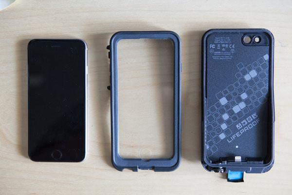 iPhone 6s neben der Lifeproof Hülle