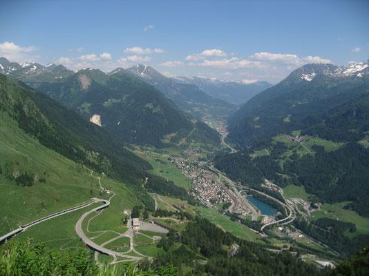 Blick vom Gotthard Richtung Airolo