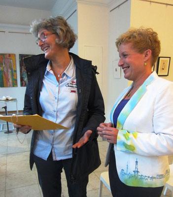 Helfende Gäste- Vernissage- Weibliche Enthüllungen-13.09.2017- Galerie Kunst und Grün-Berlin