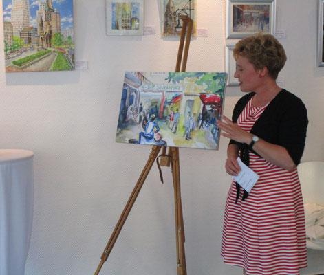 Künstlerin Sabine Glathe mit Kunstwerk Savignyplatz