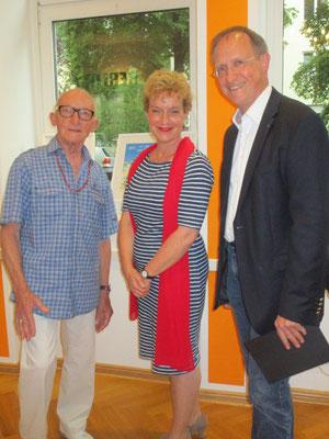 Künstler Dieter und Sabine Glathe und Gastgeber Klaus Dieter Gröhler