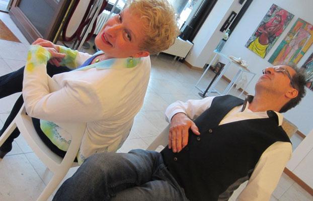 Künstler Sabine Glathe und Georg Grell-Vorbereitungen zur Vernissage - Weibliche Enthüllungen-13.09.2017- Galerie Kunst und Grün-Berlin