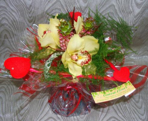 BS7-orchidée cymbidium jaune et ananas