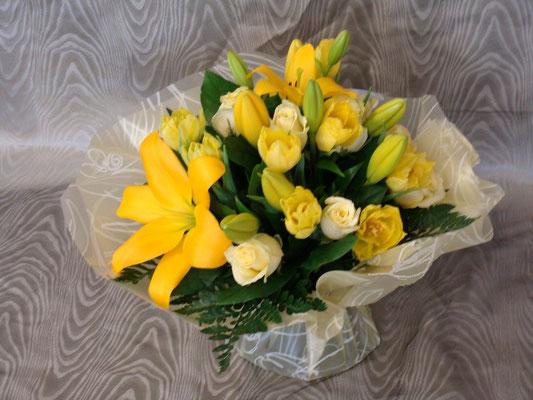 BR8-Roses, tulipes et lis jaune