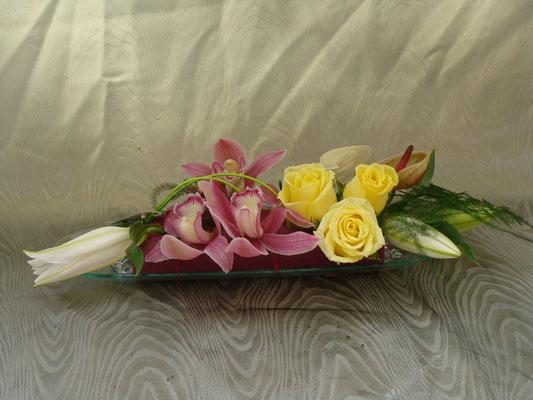 CT6-Cymbidium rose, rose jaune et lis blanc