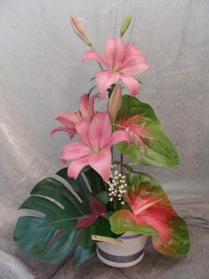CM4: Composition florale avec muguet      -       Prix: de 30 € à 40 €