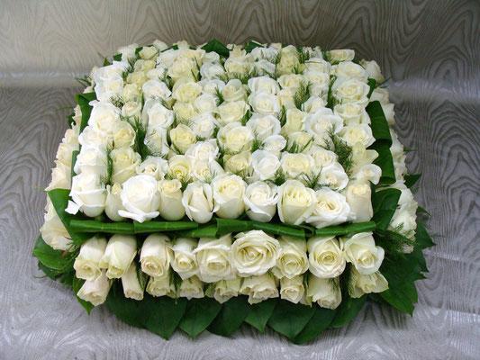 C1-Le Carré de roses blanches