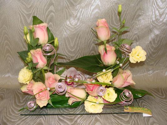 CT5-Rose rose, lisianthus crème et cymbidium rose