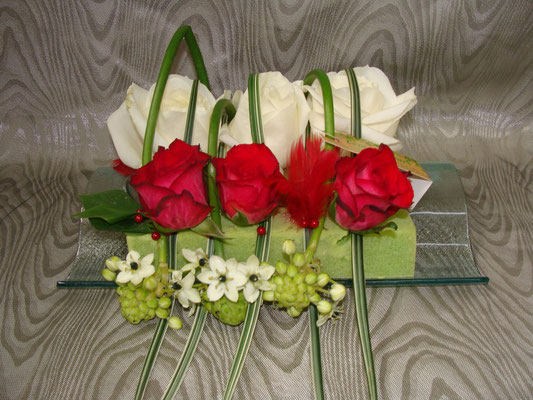 CT7-Rose blanche, rose rouge et ornithogalum blanc