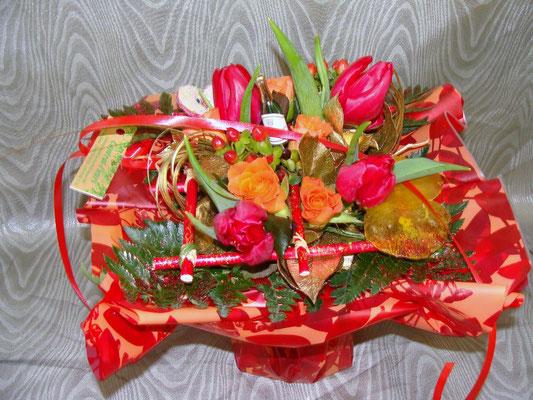 BS15-rose, tulipe, hypéricum