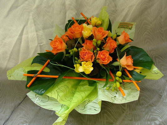 BS9-rose orange et freesia jaune