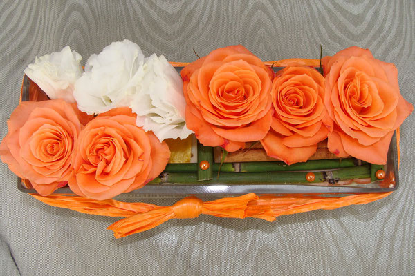 CT8-Rose orange et lisianthus blanc