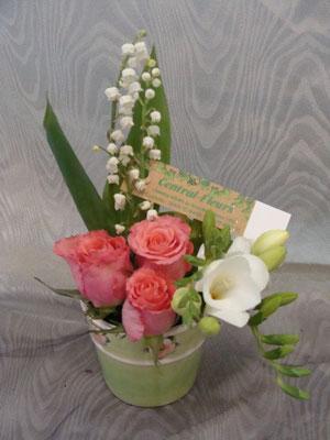 CM1:Mini composition florale avec muguet         -            Prix: 19 €