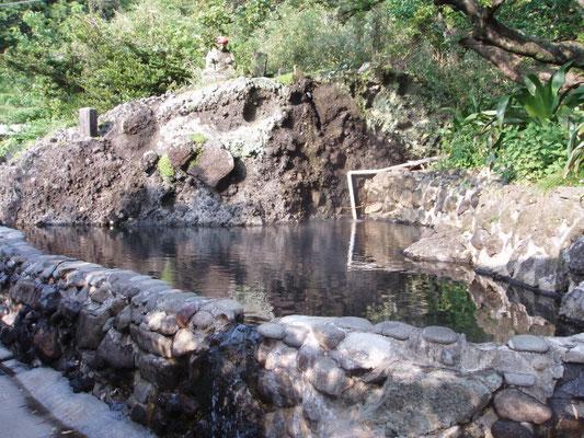 松崎町石部、平六地蔵温泉(混浴)