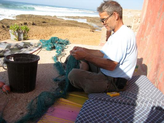 Netz reinigen von Plastik, extrem was hier im Wasser ist