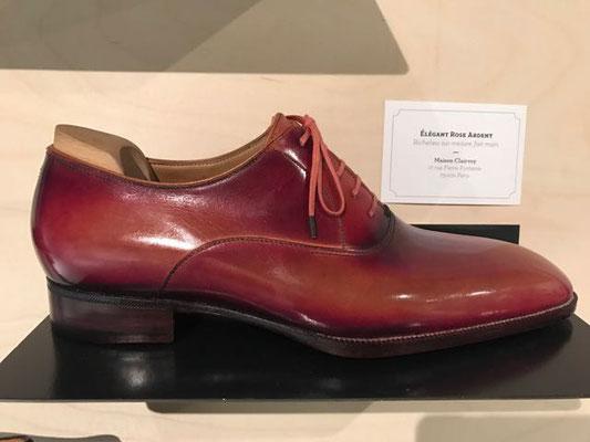 中でも気になったこの靴。30万か....