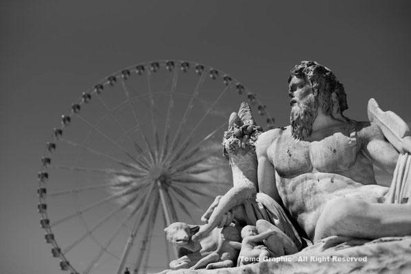 コンコルド広場は遊園地