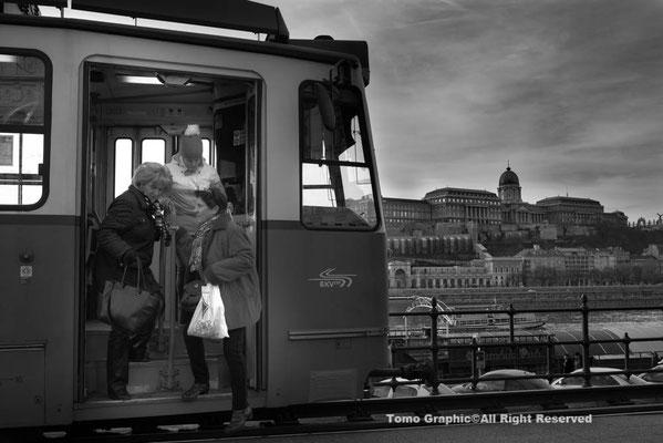 ブダペストの方が古めの車両が多くていい感じ