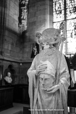 パリの守護聖人サン・ドニの像。ノートルダム寺院の宝物館に。