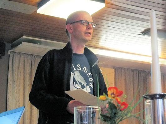 Über die Entwicklung der Vogelsbestände am Eich-Gimbsheimer Altrhein referiert Dr. Tietze.