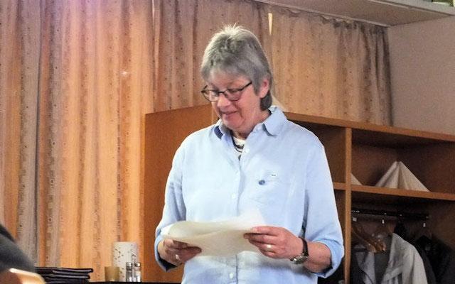 Mit dem Bericht des Kassenführers vertritt Jutta Wostbrock Udo Christiansen.