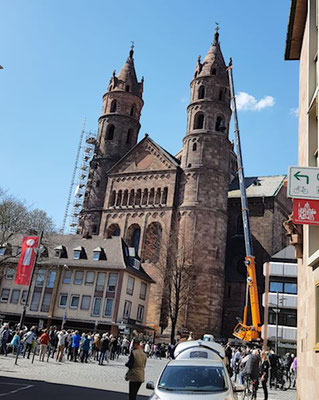 11. April. Neue Glocken für den Wormser Dom