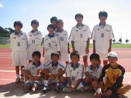 平成18年10月 さなるカップ中学1年生静岡県大会に出場=藤枝総合運動公園で。